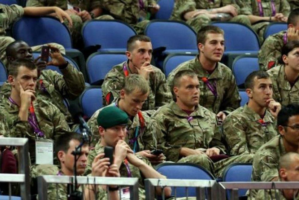 Λονδίνο 2012: Επιστράτευσαν τον... στρατό, ελλείψει κόσμου! (photos)