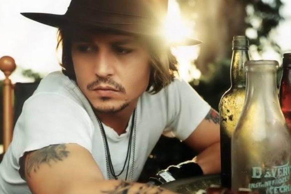 Ο Johnny Depp πιο... χάλια από ποτέ μετά από Photoshop ()
