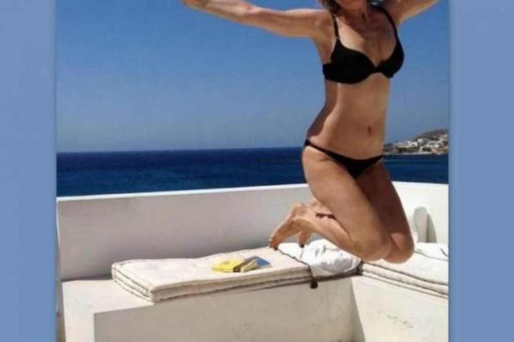 Ποια Ελληνίδα ηθοποιός… πετάει (photo)