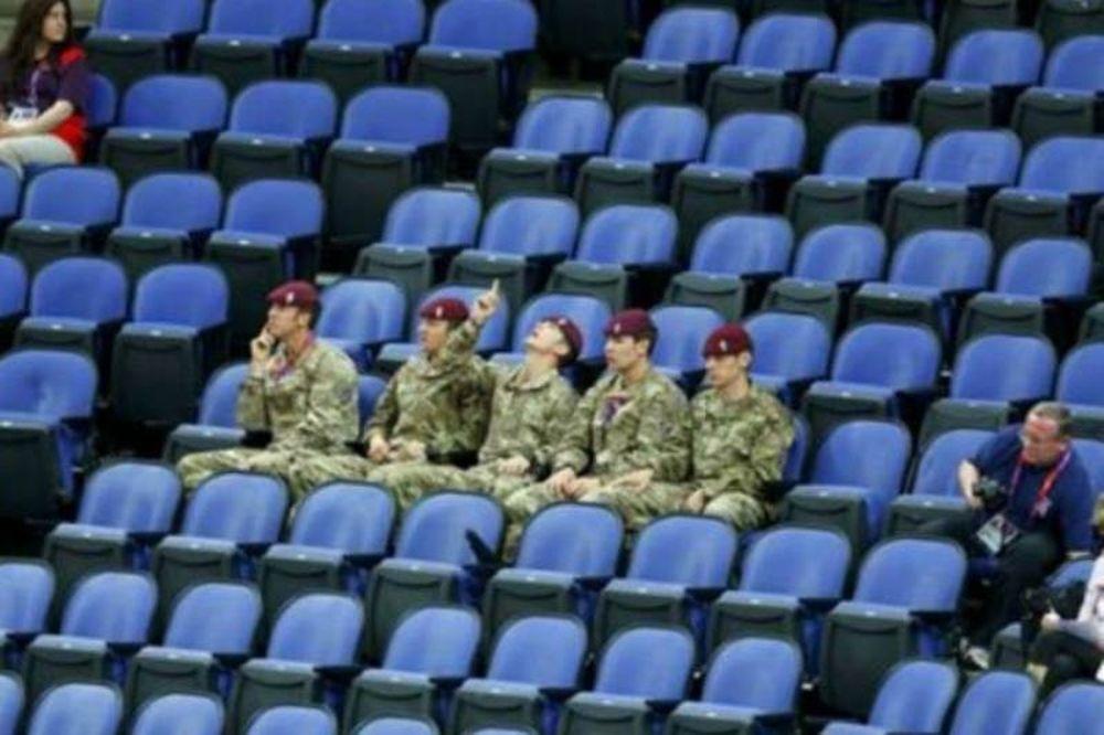 Ολυμπιακοί Αγώνες 2012: Επι ποδός ο στρατός για τις άδειες θέσεις!