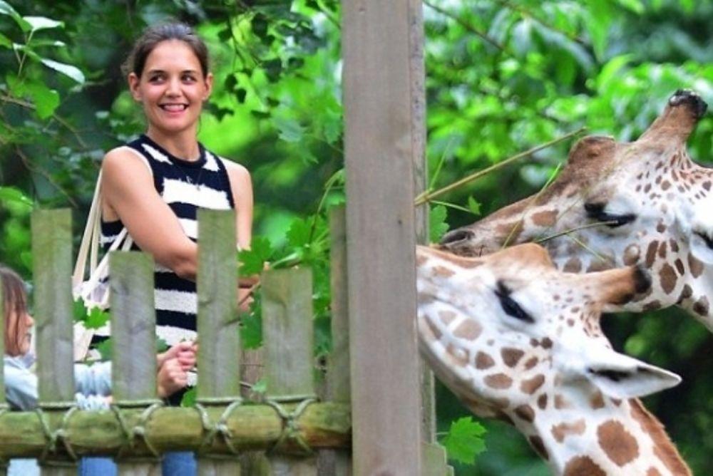 Katie Holmes: Με τη Suri στο ζωολογικό κήπο