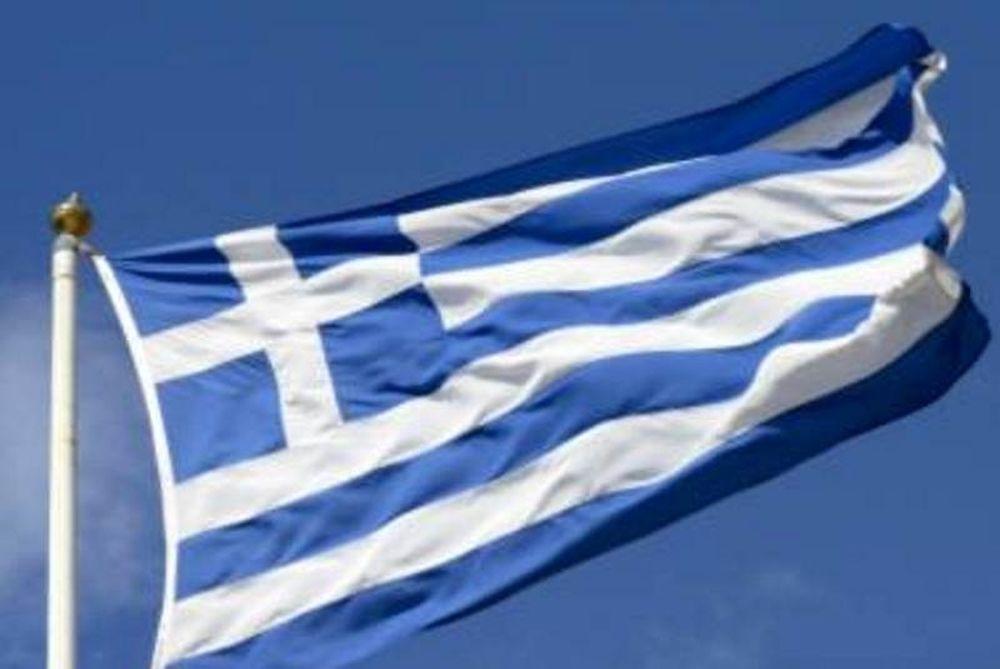 Πακιστανοί κατέβασαν την ελληνική σημαία από το κάστρο!