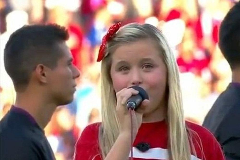 Ο εθνικός ύμνος των ΗΠΑ όπως δεν τον έχετε ξανακούσει (video)