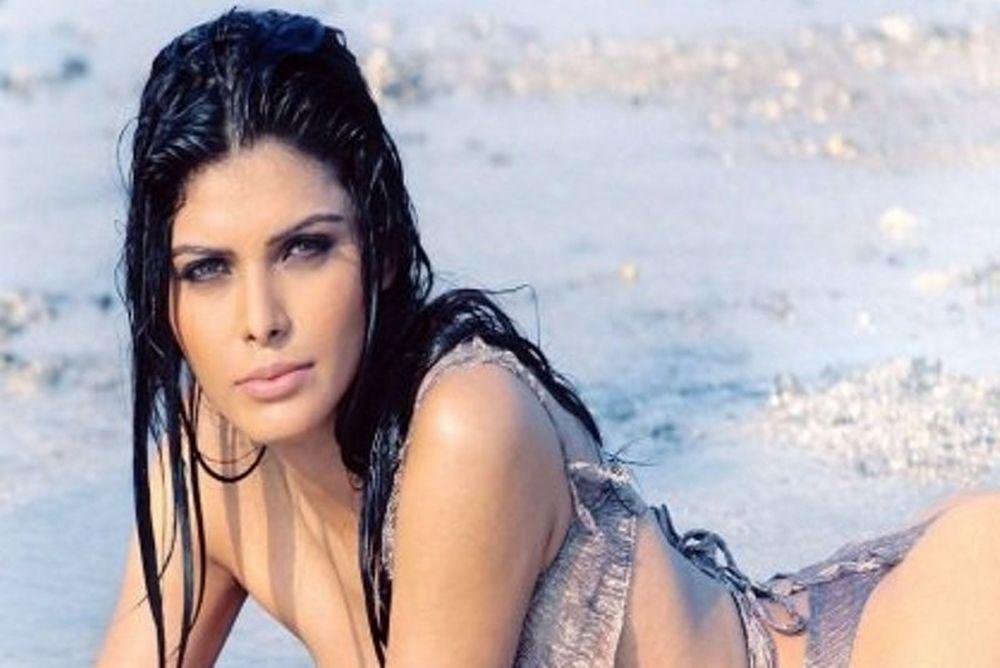 Sherlyn Chopra: H πρώτη Ινδή που φωτογραφήθηκε για το Playboy!