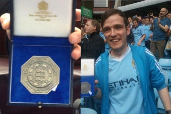 Ο Τουρέ χάρισε το μετάλλιό του σε οπαδό της Σίτι!