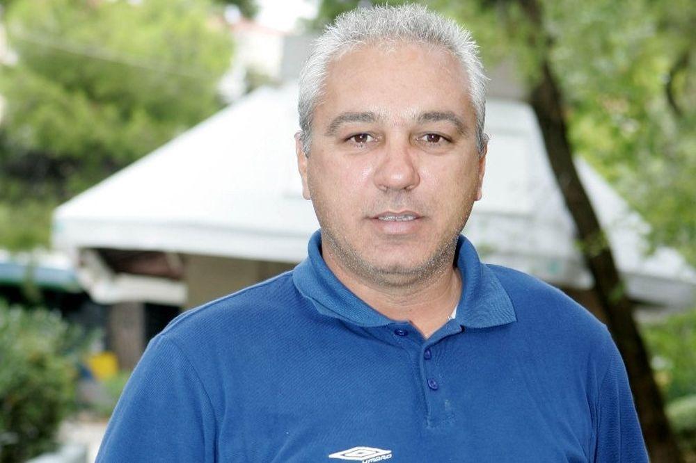 Χατζηαθανασίου: «Περισσότερες ευκαιρίες στον Πετρόπουλο»