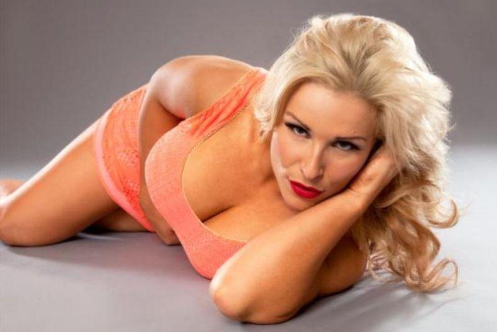 Σέξι όσο ποτέ η Natalya (photos)