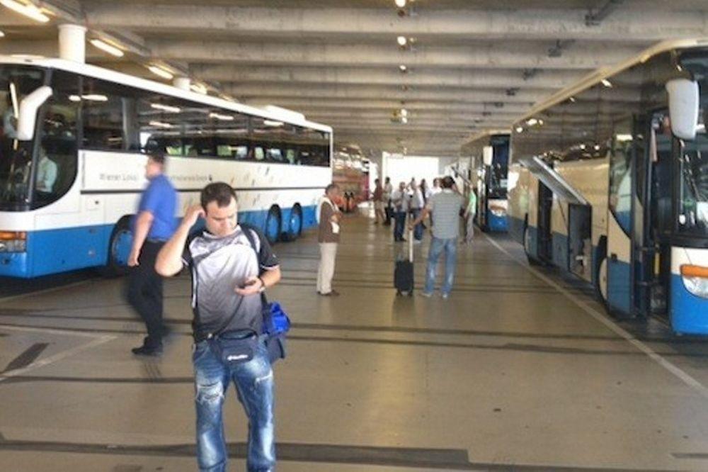 Υποδοχή από την Αστυνομία στη Βιέννη για ΠΑΟΚ!
