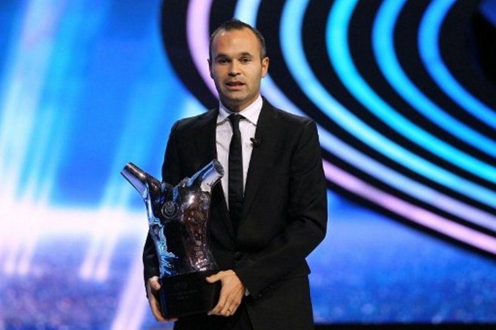 Ο Ινιέστα κορυφαίος ποδοσφαιριστής της χρονιάς!