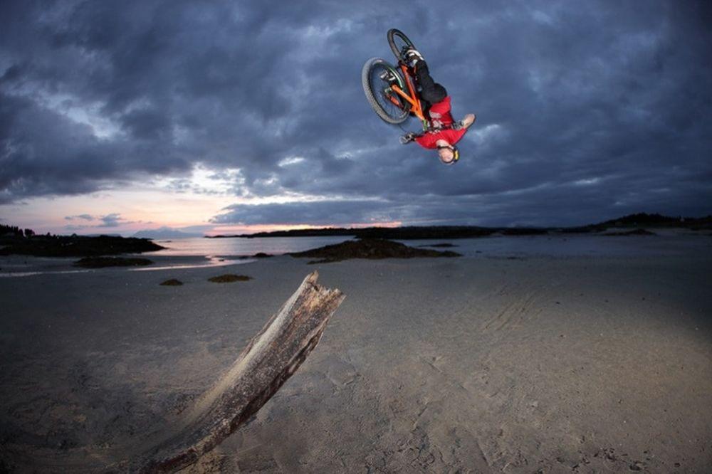 Επέκταση των ποδιών του το... ποδήλατο! (video)