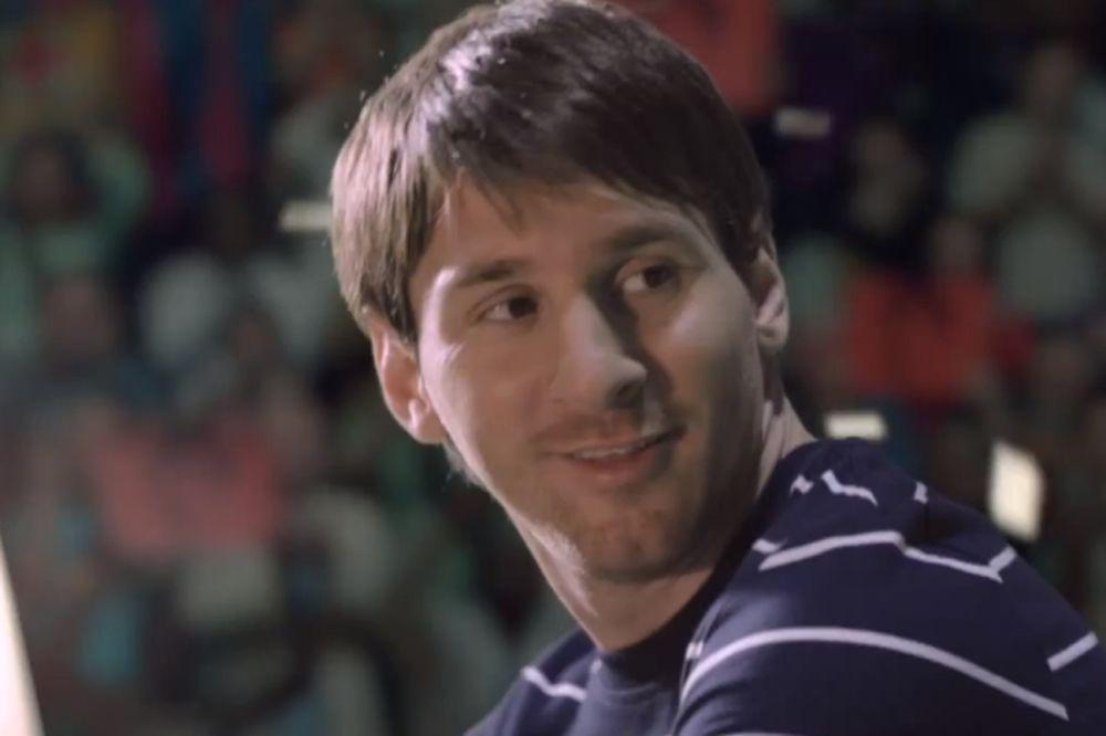 Ασύλληπτη διαφήμιση για το FIFA 13! (video)