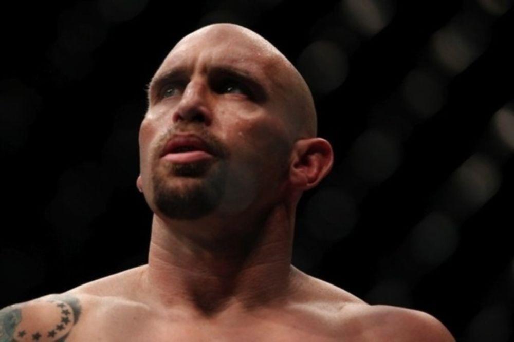 UFC: Μικροτραυματισμός για Shane Carwin