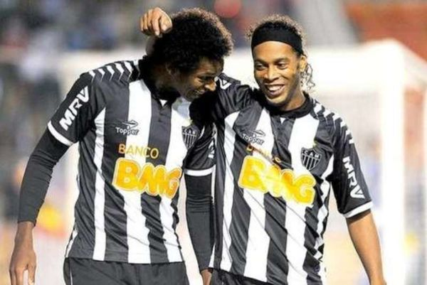 Brasileiro: Με Ροναλντίνιο η Μινέιρο (videos)