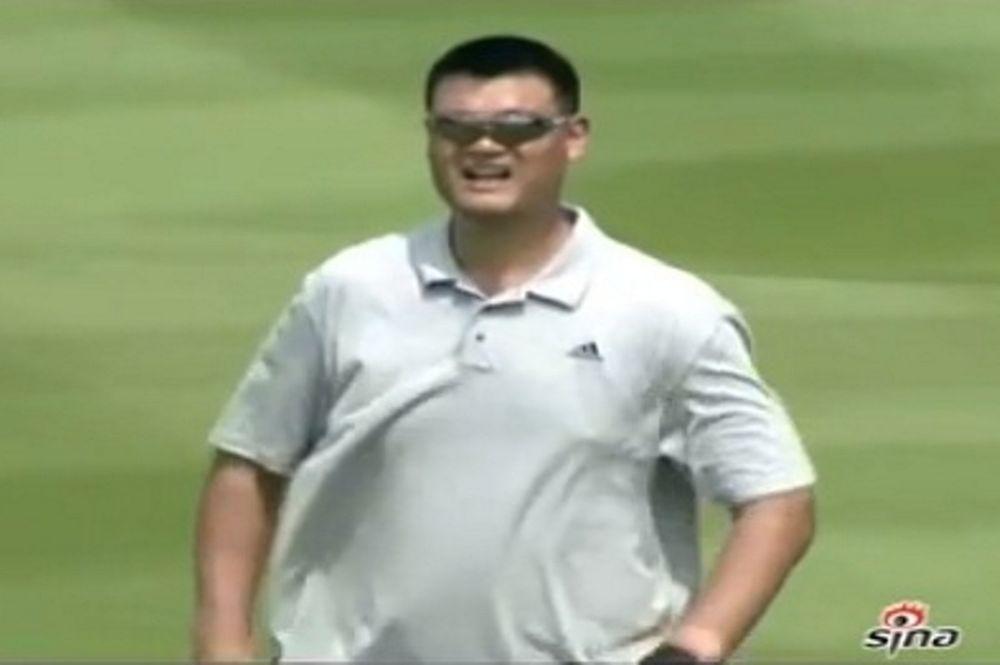 Γιάο, άσε το γκολφ και γύρισε στο μπάσκετ (video)