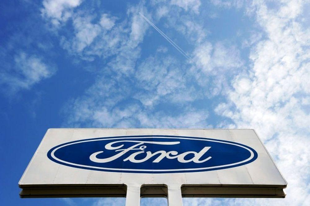 Υπέρ των ανέργων της Ford η Γκενκ! (photos)