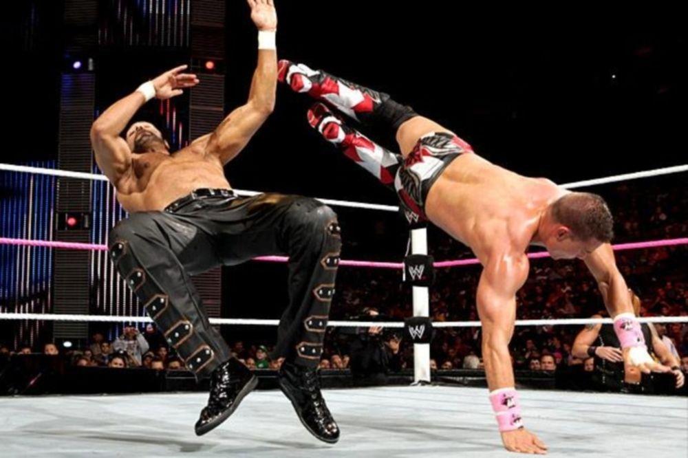 Superstars: Τρεις εναντίον Tyson Kidd (videos)