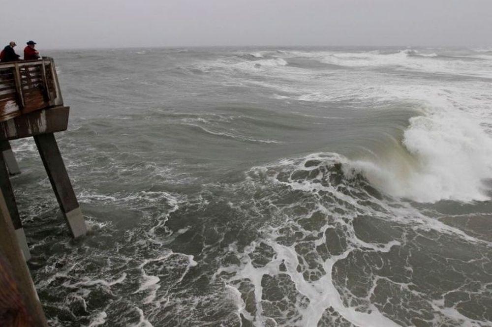 Τυφώνας «Σάντι»: Η Νέα Υόρκη εκκενώνεται και ανησυχεί… (photos+videos)