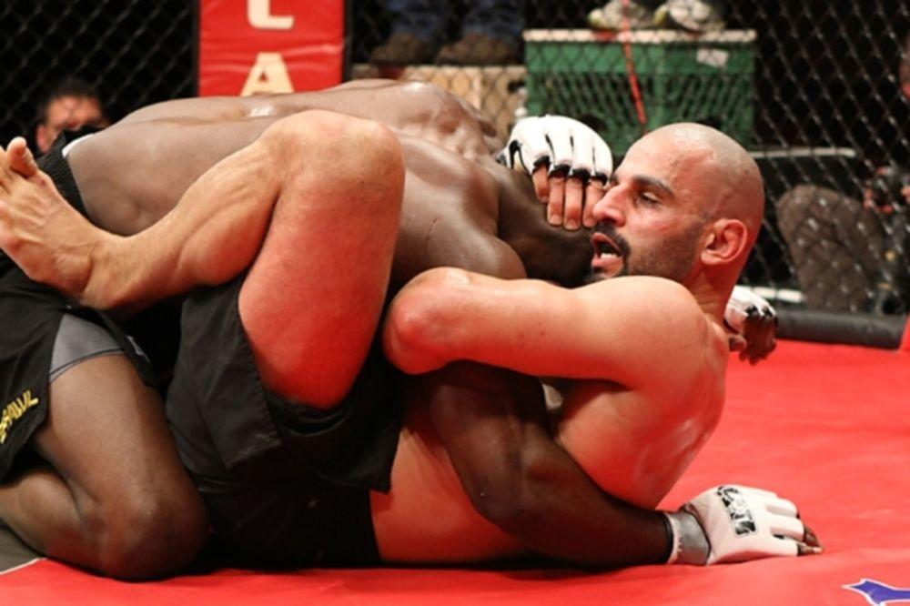 UFC 154: Τράμπα υπέρ Φιλίππου (video)