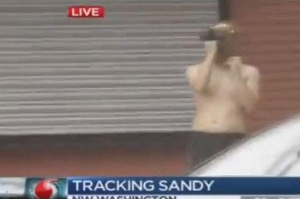 Ο τυφώνας Σάντι και το... γυμνό άλογο (video)