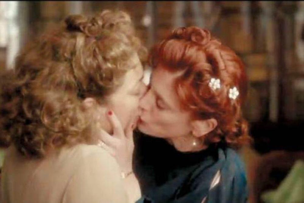 Έρχονται κι άλλα καυτά φιλιά στη ΝΕΤ!
