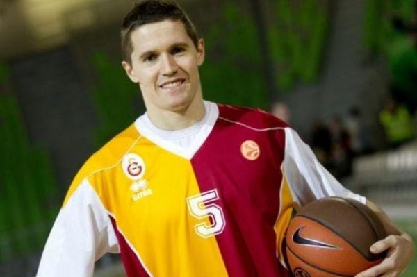 Λάκοβιτς: «Με θέλει η Σιένα»