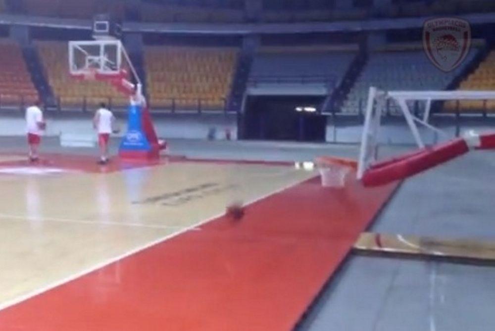 Ολυμπιακός: Έκαναν… μπιλιάρδο το ΣΕΦ (video)