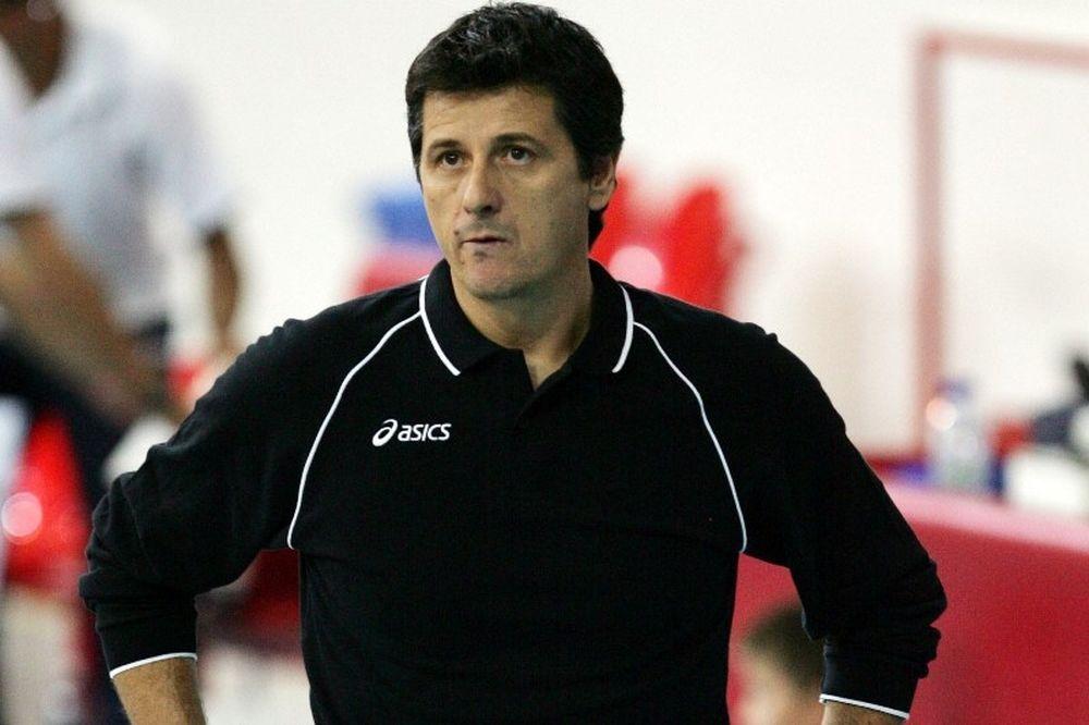 Μέλκας: «Φαβορί ο Ολυμπιακός»