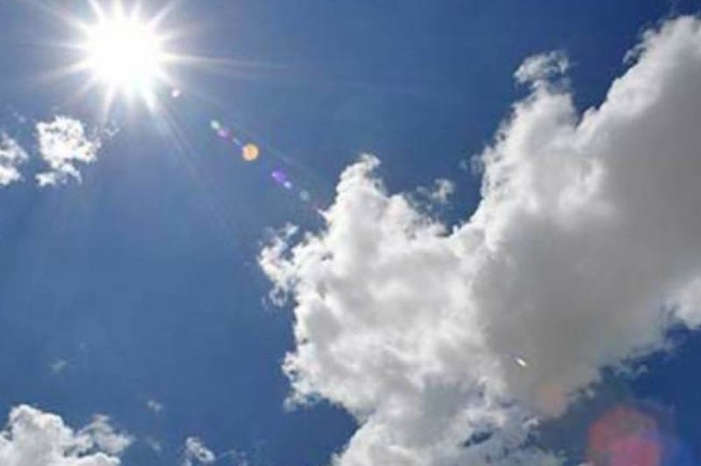 Αίθριος καιρός με... παράδοξα υψηλές θερμοκρασίες