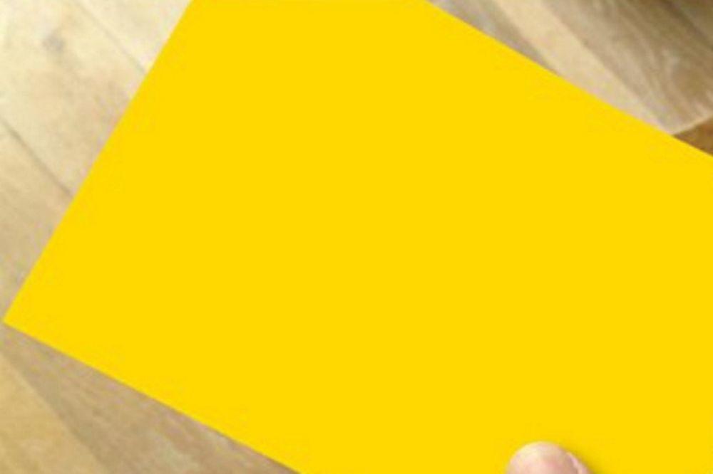 Φαν Μπόμελ: Έκανε δώρο… κίτρινες κάρτες για τα Χριστούγεννα (photos+video)
