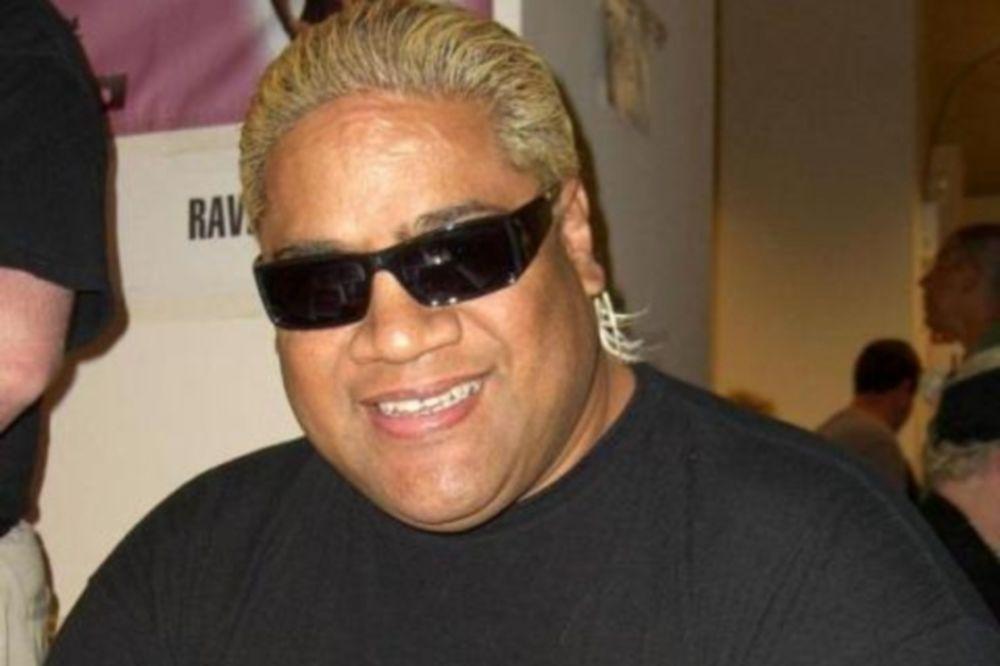 WWE: Προσθήκη μαθητή του Rikishi