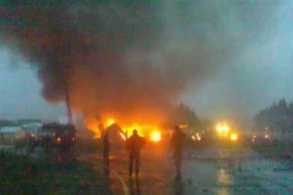 Τραγωδία στη Ρωσία-Αεροπλάνο κόπηκε στα τρία και άρπαξε φωτιά