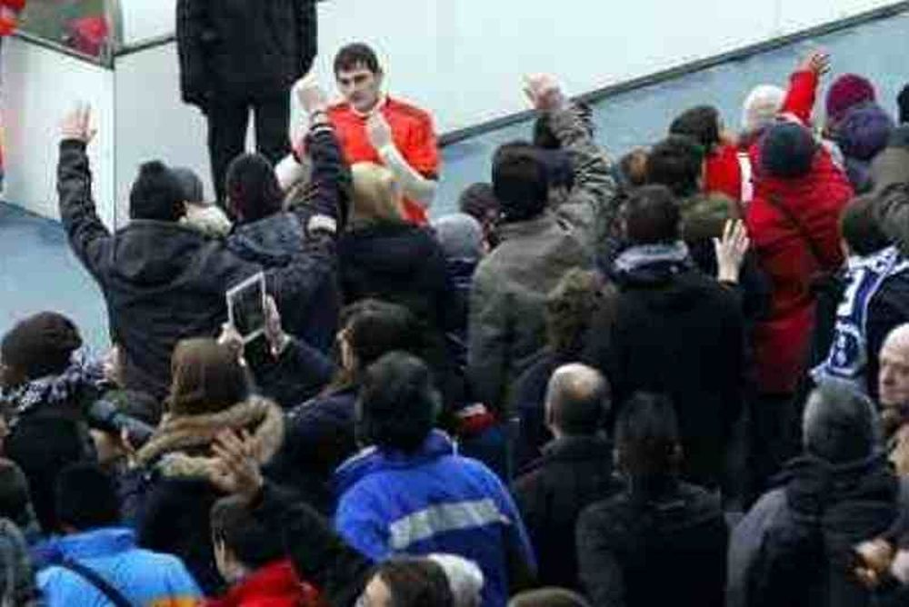 Ρεάλ Μαδρίτης: «Ίκερ, Ίκερ, Ίκερ!» (video)