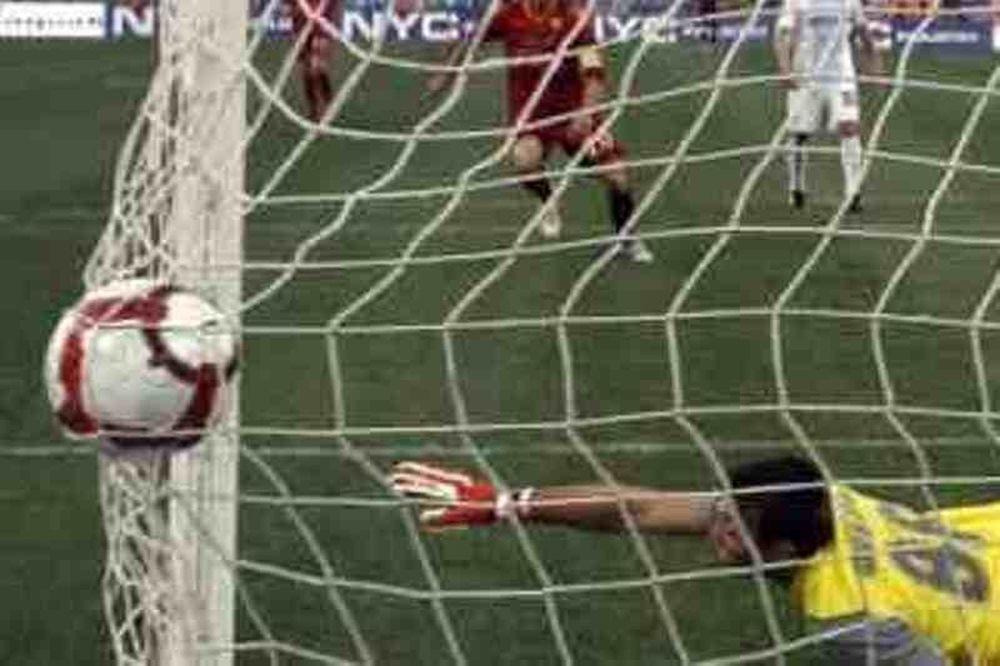 Τα 100 καλύτερα γκολ του 2012 σε… 17 λεπτά! (video)