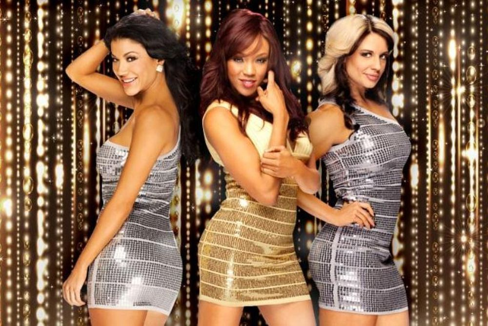WWE: Πρωτοχρονιάτικες Divas (photos)