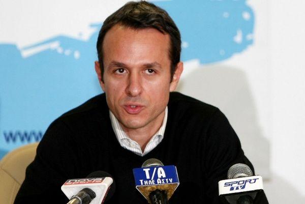Σαμαράς: Με μαύρα περιβραχιόνια οι Έλληνες στην Ιταλία