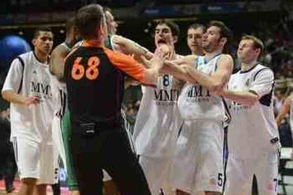 Ρεάλ-Ζαλγκίρις: Τους... πλάκωσε όλους ο Ρούντι! (video)