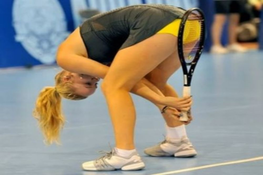 Βίντεο: «Καυτά» φωτογραφικά κλικ στα γήπεδα τένις