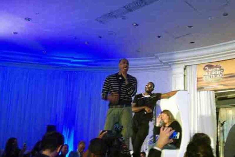 Μαϊάμι Χιτ: Ο Λεμπρόν τραγουδάει... Μάικλ Τζάκσον! (video)