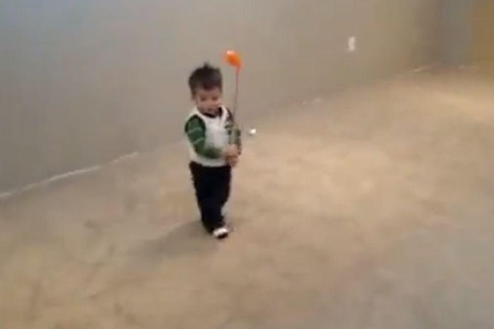 Γκολφ: Ο νέος Τάιγκερ Γουντς είναι... 17 μηνών! (video)