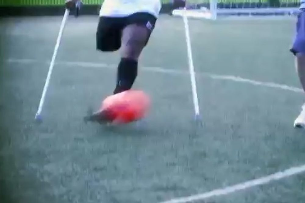 LA Spurs: Η δύναμη της θέλησης στο ποδόσφαιρο (video)