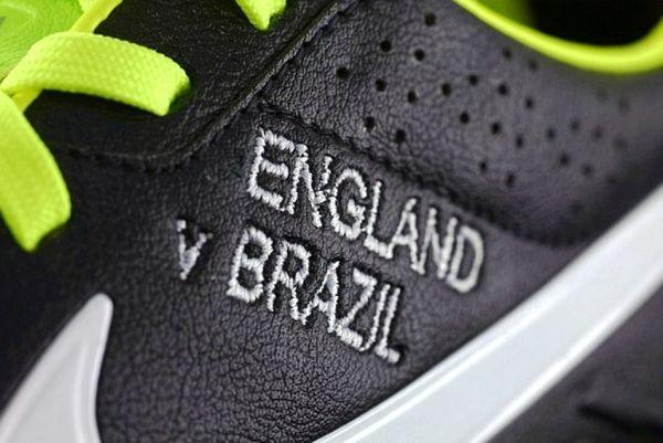 Αγγλία: Επετειακά παπούτσια για Κόουλ (photos)