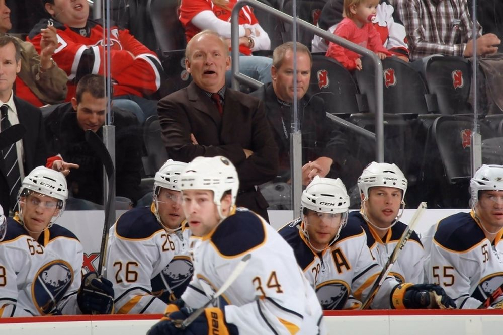 NHL: Απολύθηκε ο Ruff των Σέιμπερς