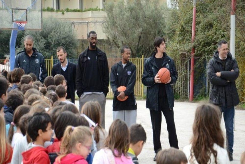 Απόλλωνας Πατρών: Επίσκεψη σε σχολεία