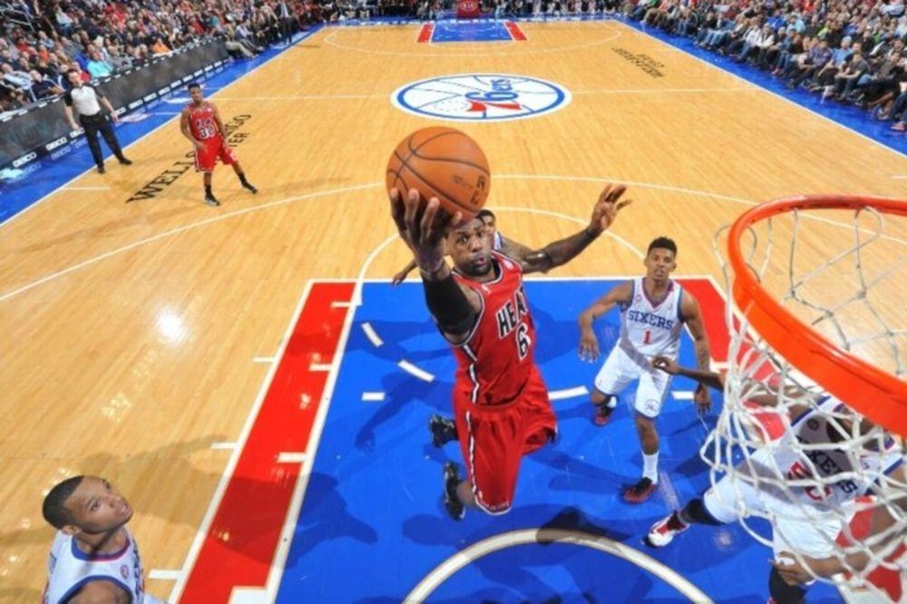 NBA: Δεκάδα έφτιαξε ο Λεμπρόν (videos)