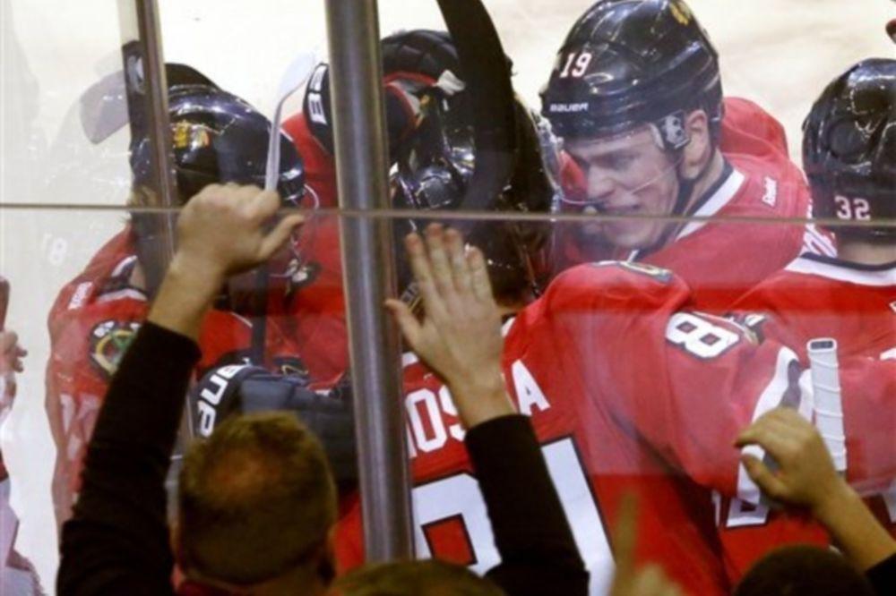 NHL: Στα 19 το σερί των Μπλάκχοκς (videos)