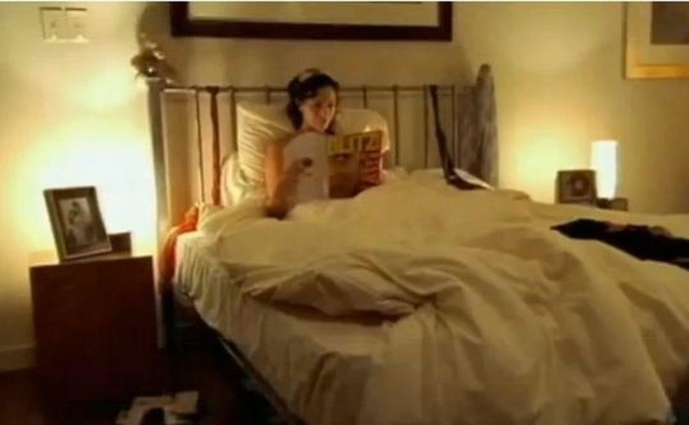 O Μάικλ στη μπυραρία, ο... σκύλος στο κρεβάτι (Video)