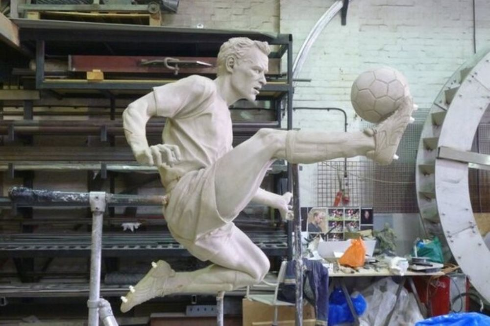 Άρσεναλ: Άγαλμα στον Μπέργκαμπ (videos)