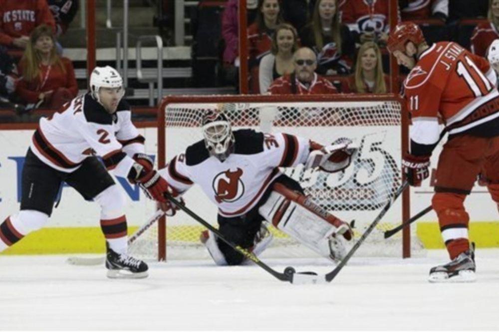 NHL: Σκόραρε ο… Brodeur (videos)