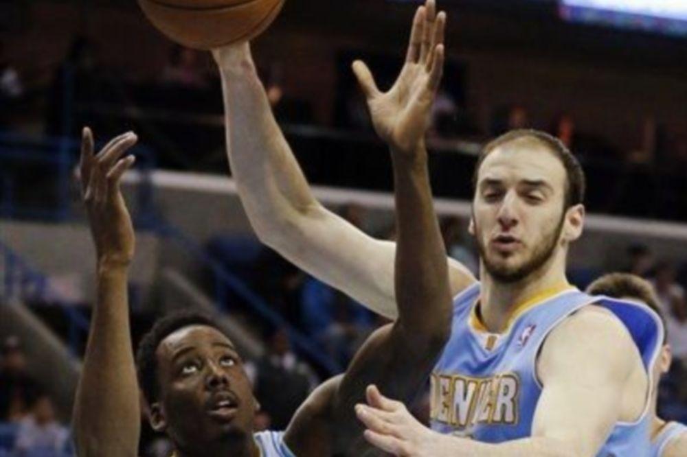 NBA: Τέλος το σερί των Νάγκετς, συνεχίζουν οι Χιτ