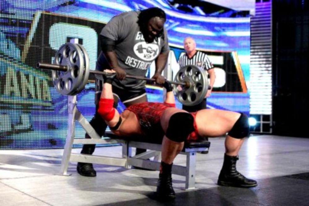SmackDown: Ρεκόρ για… πλάκα (photos+videos)